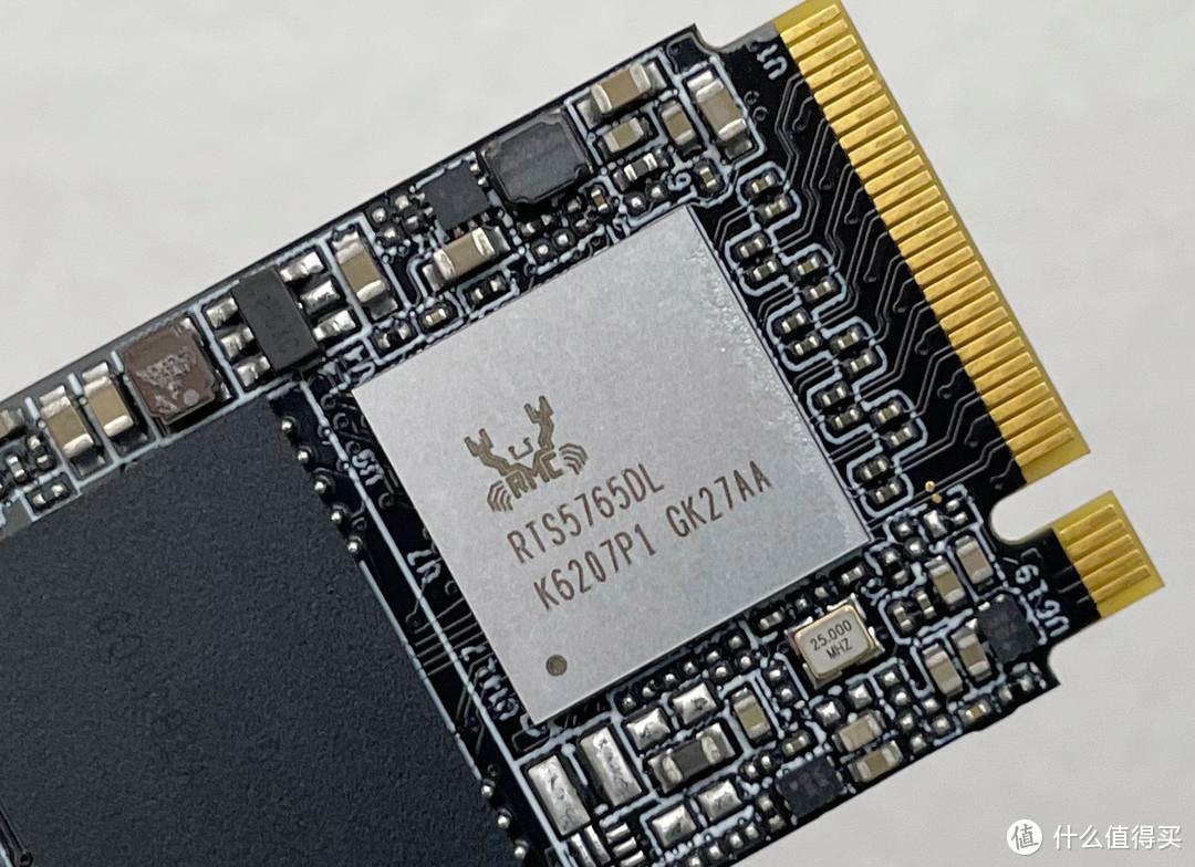 ▲朗科NV2000 NVMe M.2 SSD采用Realtek 的RTS5765DL主控芯片。