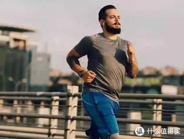 很多跑步老哥都是这种体型