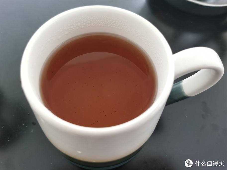 第一泡过滤的茶汤