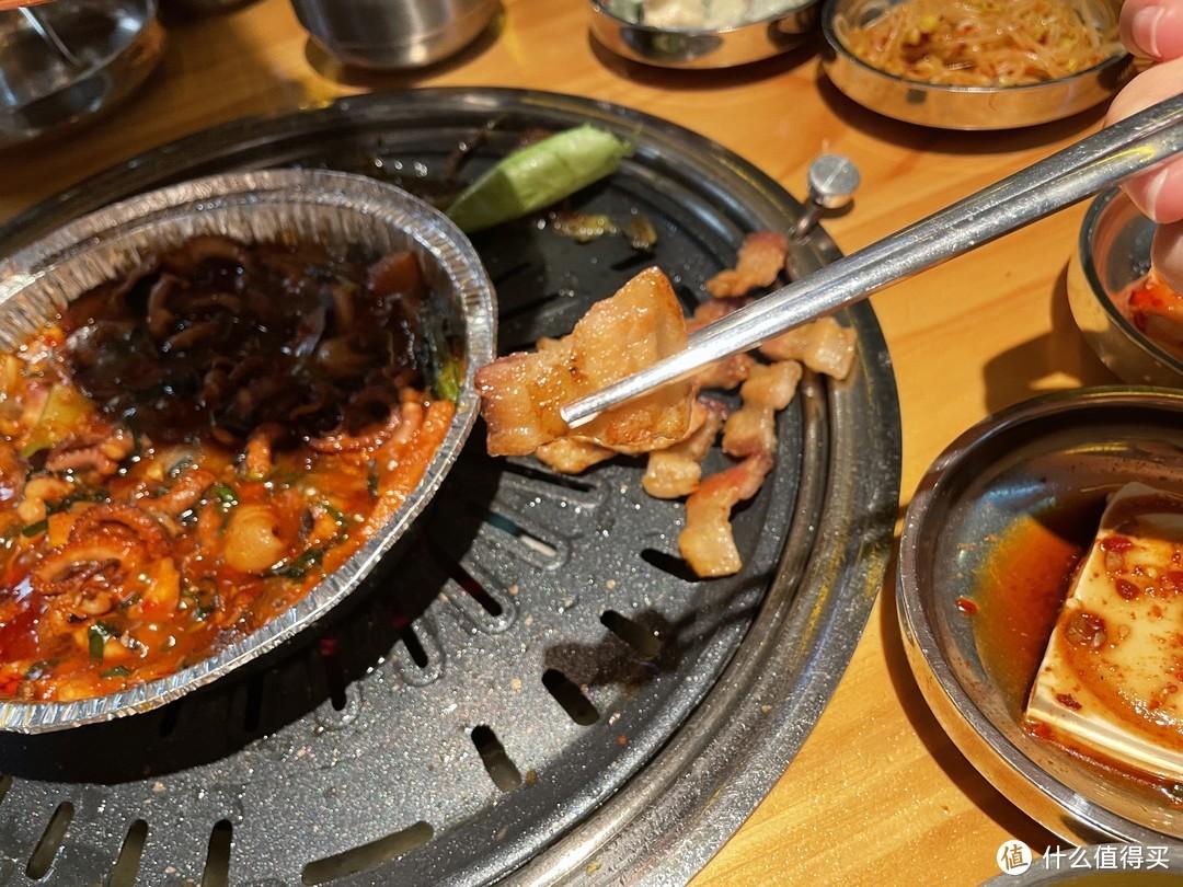 地铁上盖的韩式餐厅,出品服务都挺用心