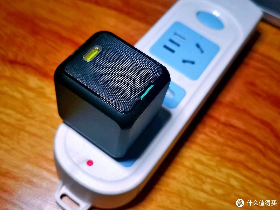 携带无忧,Aohi 65W氮化镓充电器体积小60%,笔记本手机平板全搞定
