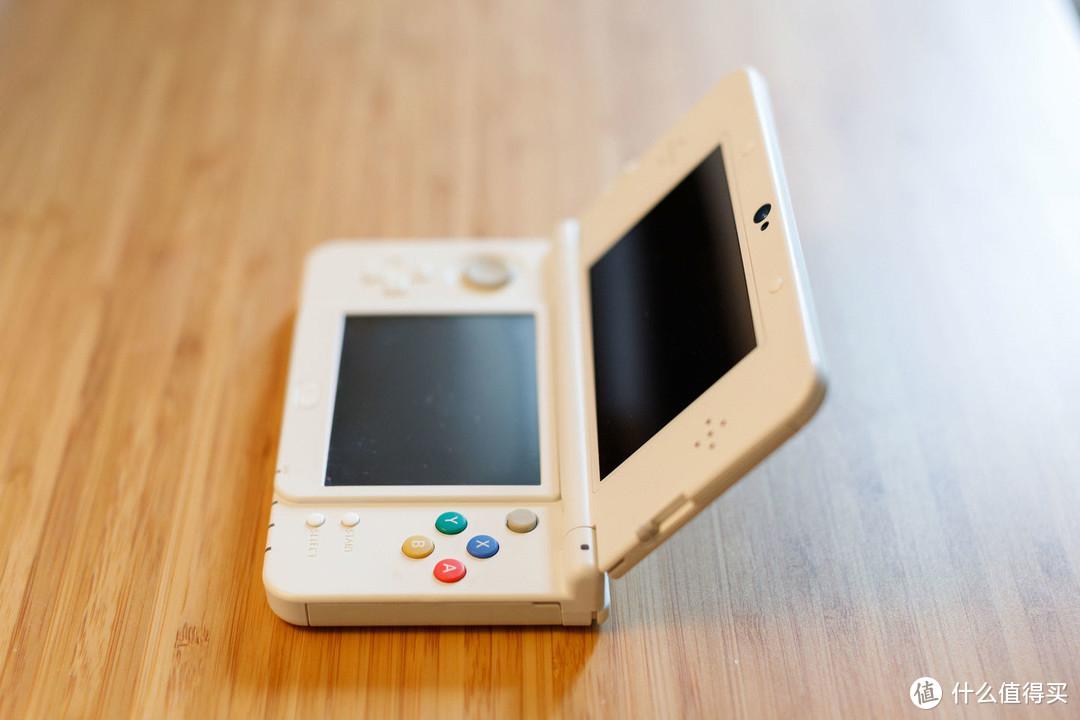 new3DS,其实性能比老版本强一点点,可以看成3DS 1.2