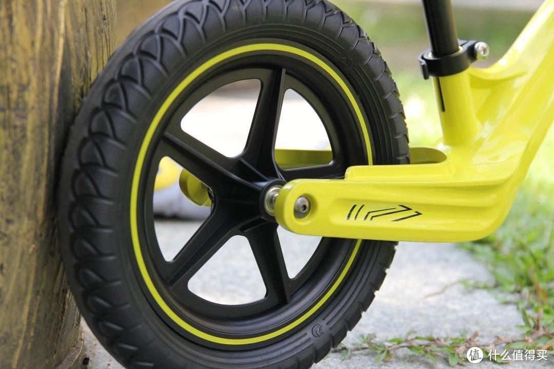 想把孩子培养成领袖,送了他一辆平衡车,酷骑儿童平衡车评测