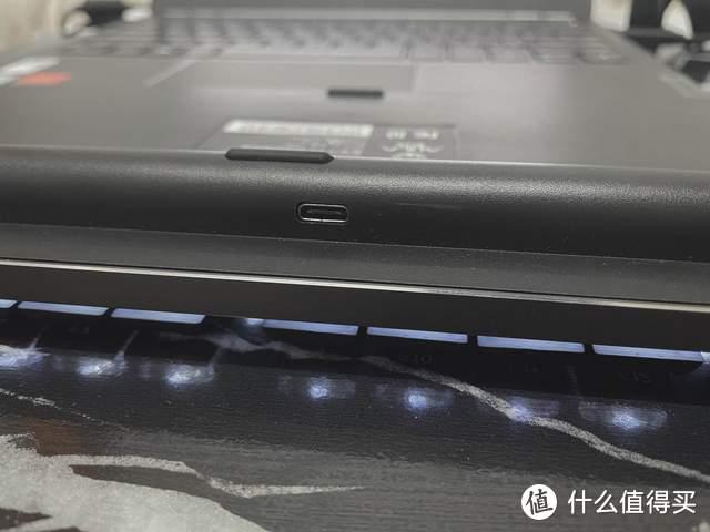 纤薄轻巧、稳定矮轴:狼蛛F2090超薄型机械键盘体验