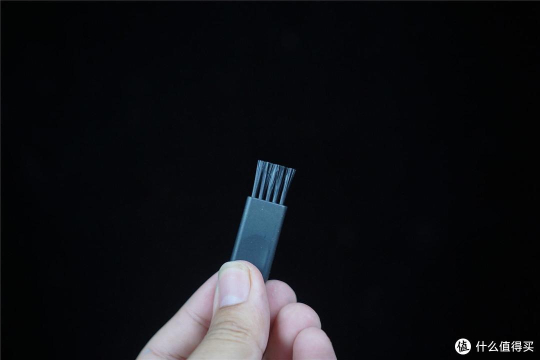 体积小,易便携,IPX7防水-须眉剃须刀T3探索家套装分享!