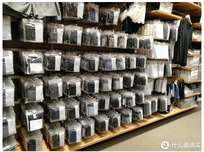 夏日男装金牌合集,9家值得收藏的大牌代工厂,  夏日男士基本款衬衫T恤拖鞋凉鞋墨镜,一站式收藏
