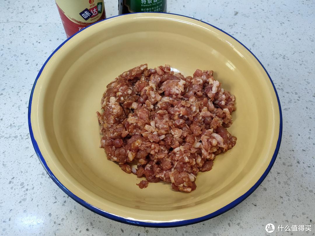 调饺子馅,切记别加料酒和十三香,教你正确做法,鲜嫩多汁特好吃