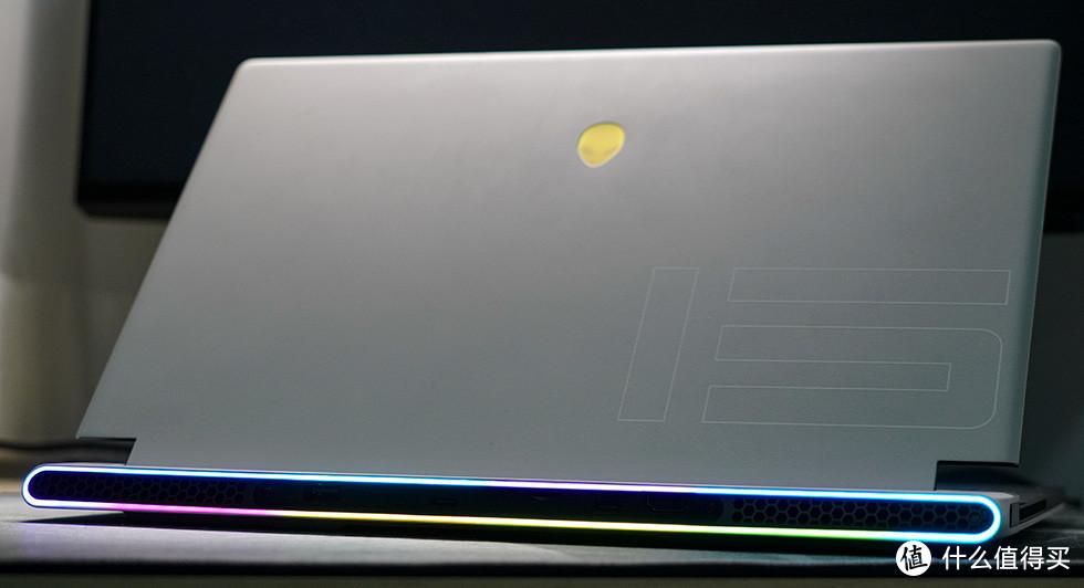 将4只风扇塞入厚度仅有16mm的纤薄游戏本内聊聊Alienware x15 R1