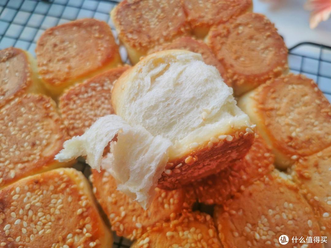 蜂蜜脆底小面包,做法太简单,一次发酵,一周吃3次才过瘾