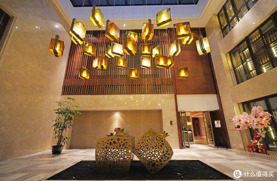 再次刷新黑珍珠餐厅的下限:西安凯悦酒店湖畔中餐厅吐槽大会