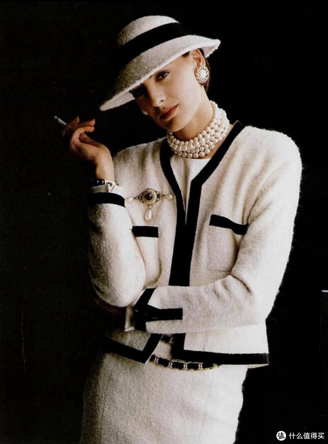 五百穿出五万质感,毫不费力的法式优雅,优衣库和她的联名才最值得买吧