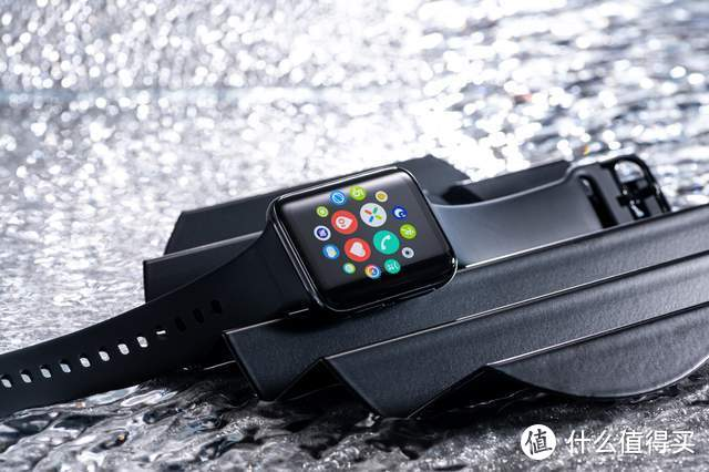 OPPO Watch 2真机图赏:方形微曲面之下,是可媲美手机的全能体验