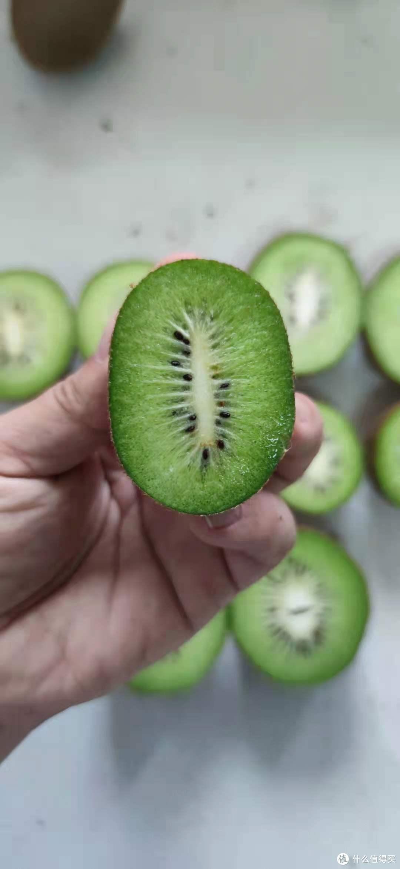 横切面,可以看到果心的形状