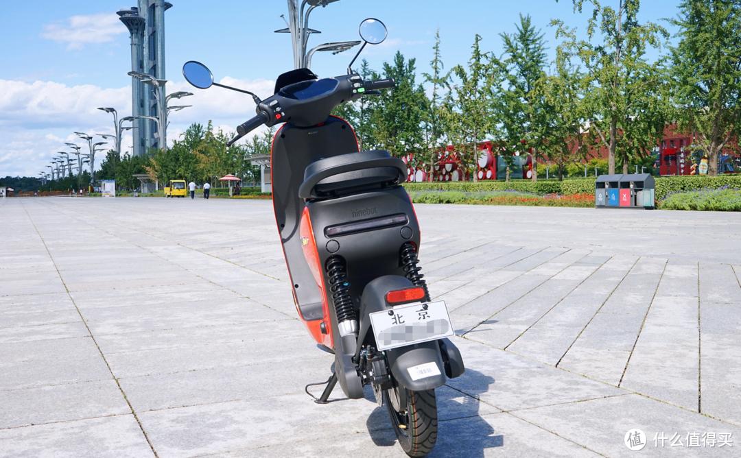 吃我尾灯,披羊皮的狼:九号 2021款 C90 新国标电动自行车