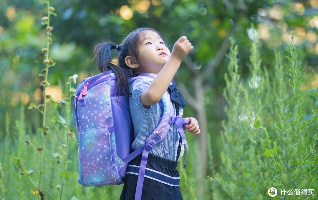 成长好伙伴--GMT for Kids儿童轻巧护脊书包开箱分享