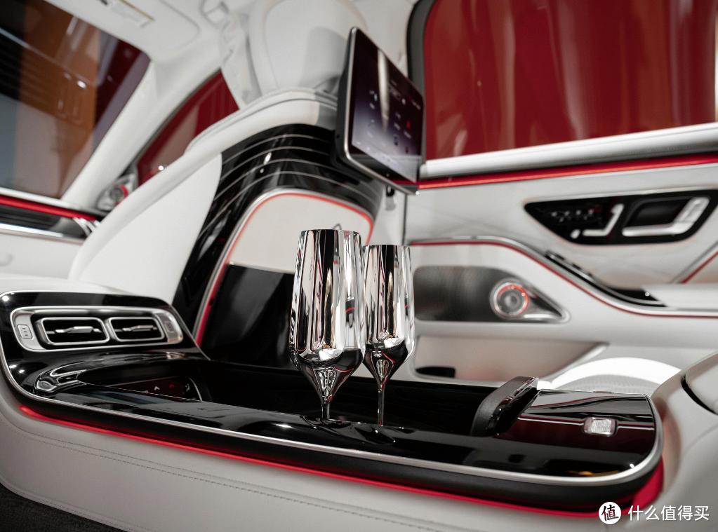 打造奢华与舒适享受,21款迈巴赫S580改香槟杯座