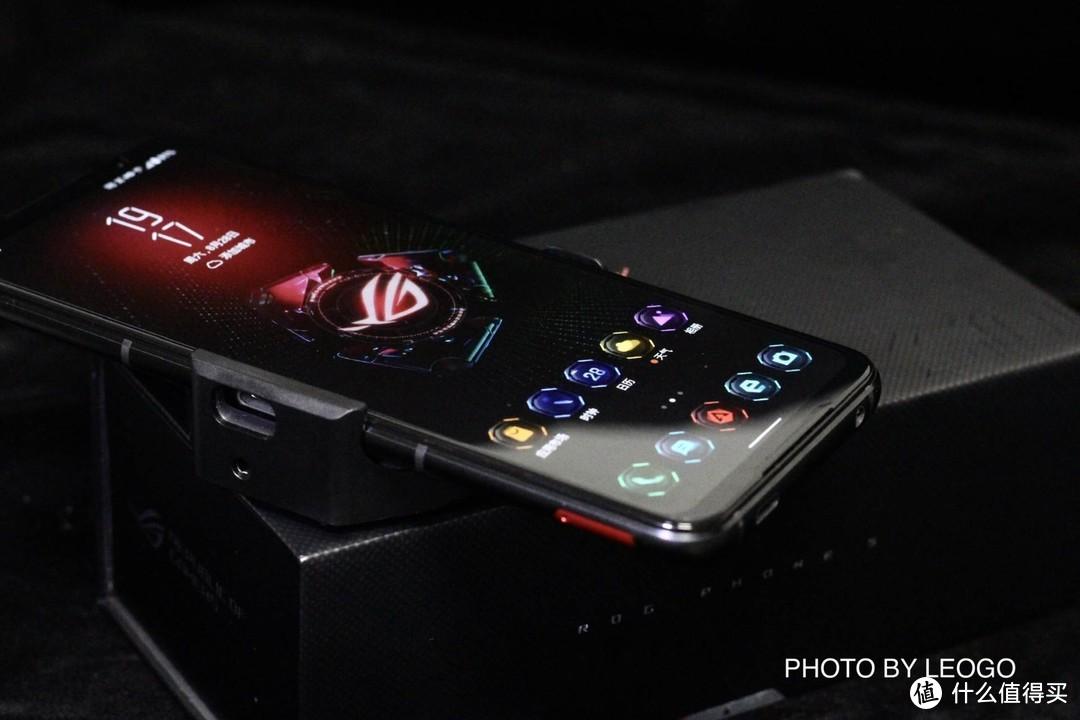 腾讯ROG游戏手机5s:真声临其境的游戏体验