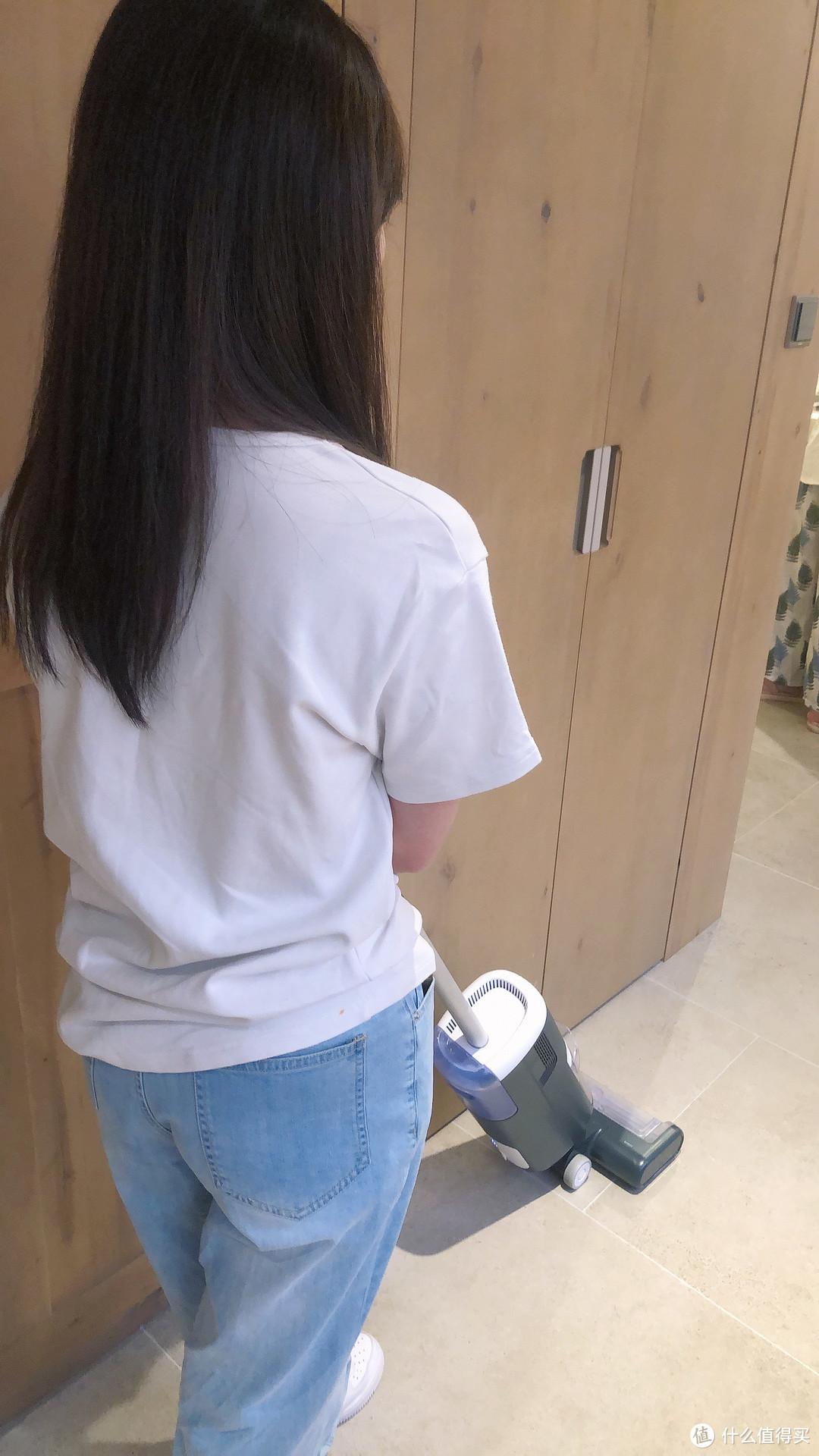家务清洁好帮手,洒哇地咔洗地机半小时搞定地面清洁