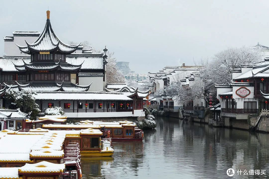 魁星阁是南京夫子庙的核心景观和标志性建筑之一。魁星在中国民间信仰中是主宰文章兴衰的神,在儒士学子心目中,魁星具有至高无上的地位。©️图虫创意