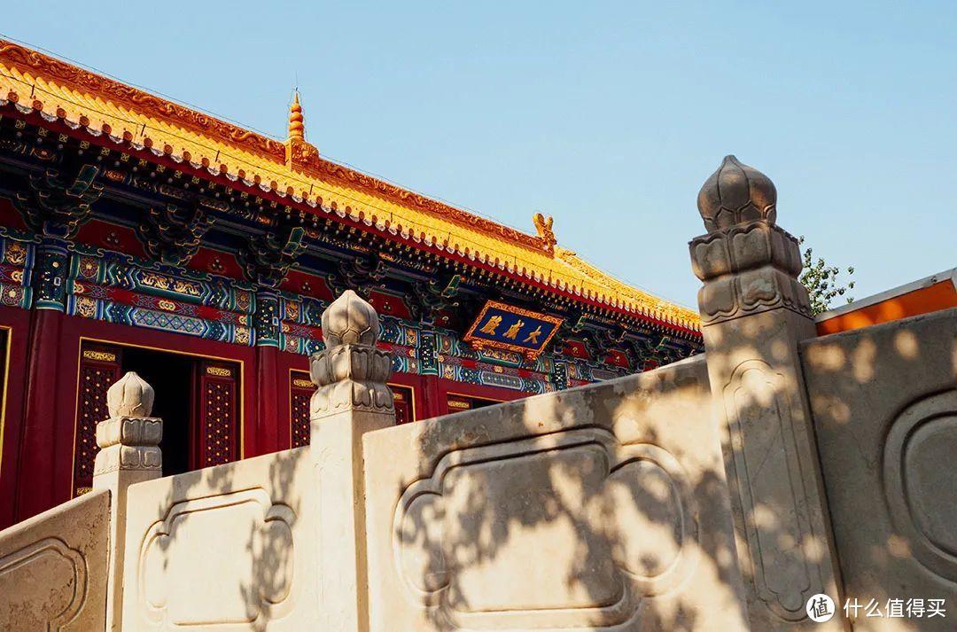 顶覆黄色琉璃瓦的曲阜孔庙大成殿 ©️图虫创意