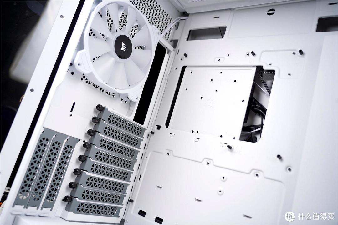 来自全塔机箱的震撼,空间足,散热好,值得试试!--美商海盗船iCUE 7000X