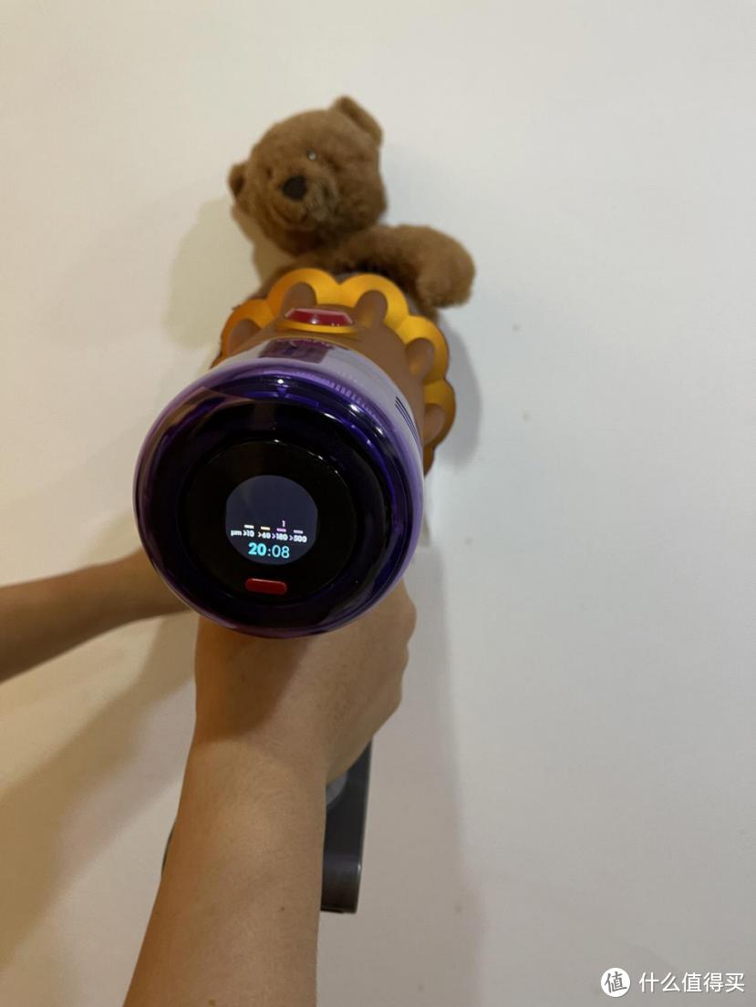 吸尘器:小狗最强机vs戴森V12,谁能赢?