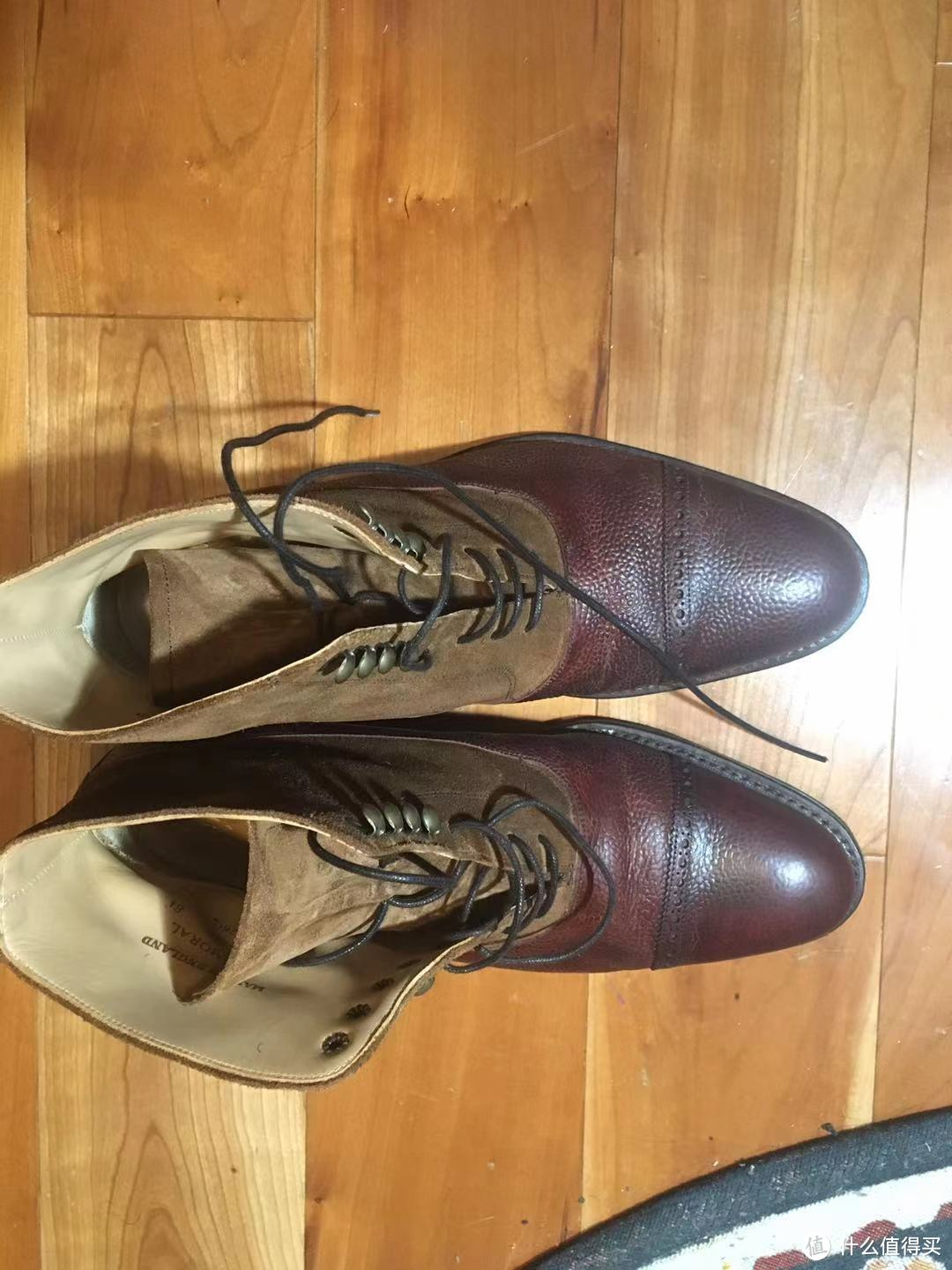 Cheaney 的balmoral boots