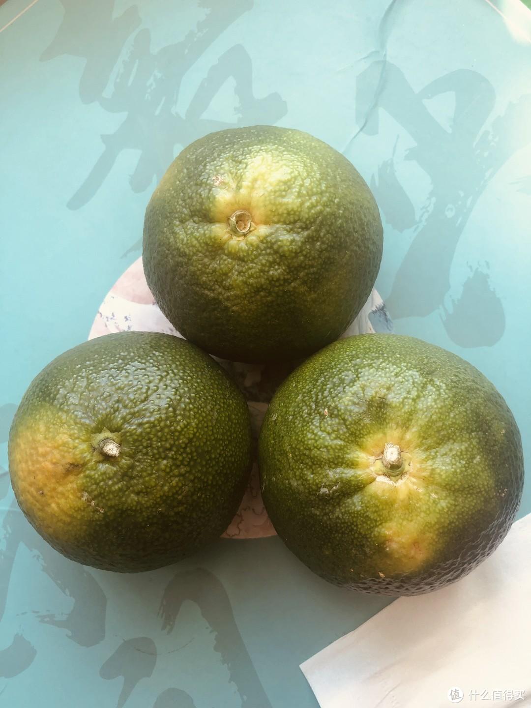 当季主流水果青皮桔子分享:酸酸甜甜味儿,出了解渴还可以作为家里常备水果