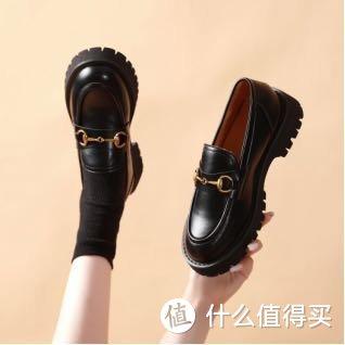 预判秋天最时髦流行的鞋子,快来唯品会看看!