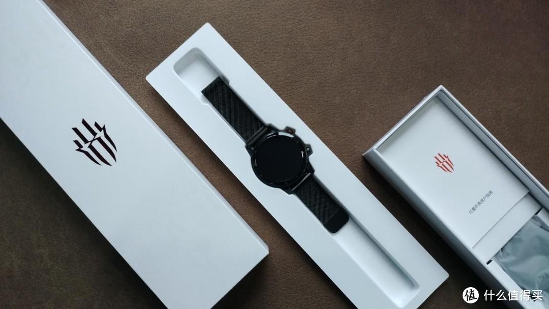 实力与颜值的担当,舒适运动无感佩戴,红魔手表精钢版轻奢体验