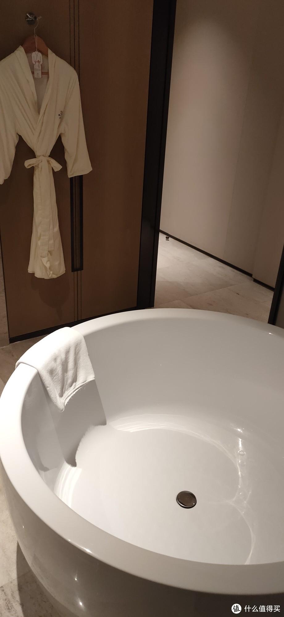 大浴缸 感受了一下