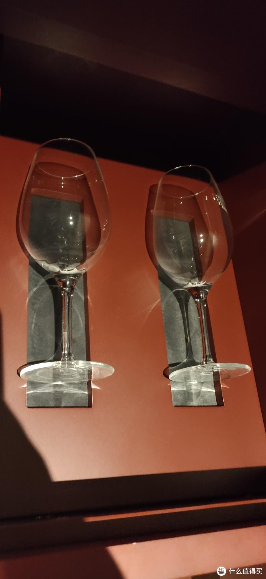 精致红酒杯