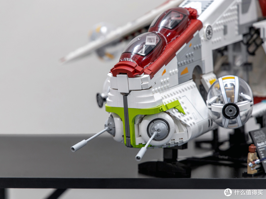 乐高星球大战系列75309共和国炮艇,即使是UCS套装也有些超乎想象