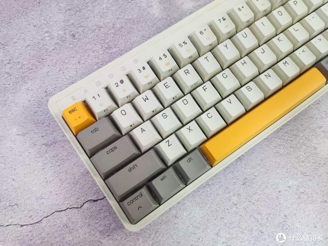轻装上阵,极度舒适—米物ART机械键盘