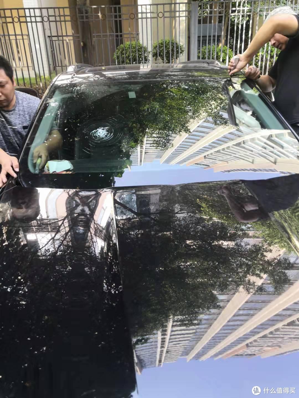 一次6千的手贱行为:自己碎车挡风玻璃。保险速赔,体验福耀玻璃1小时上门换玻璃,给国货点赞