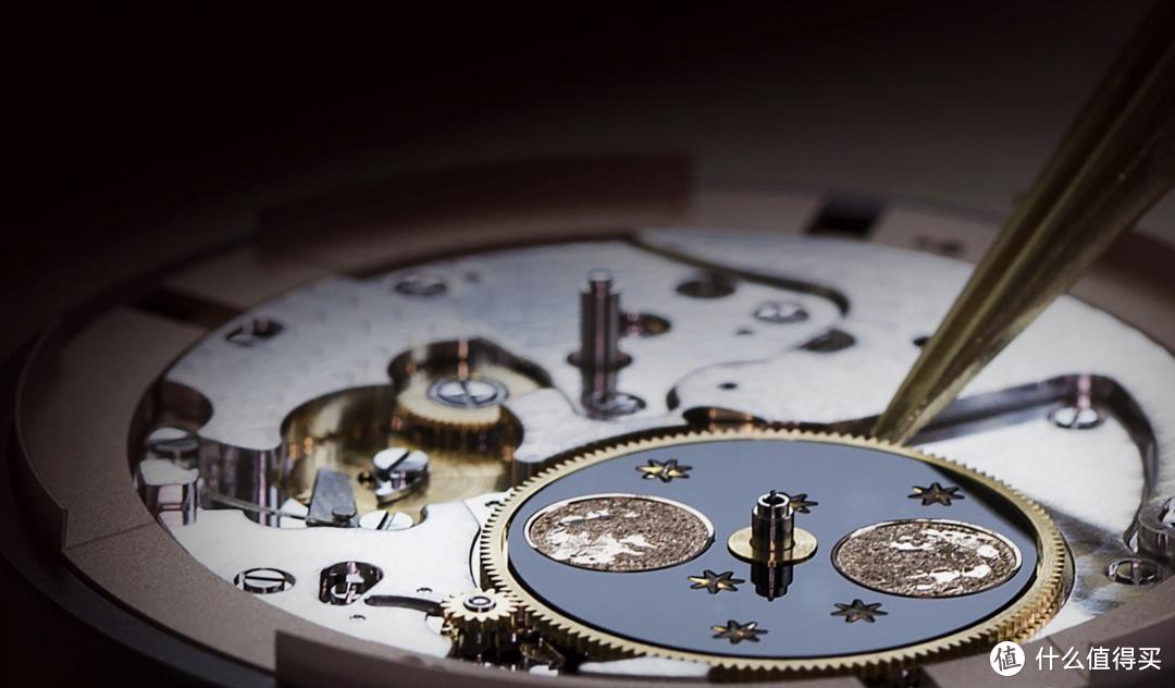 雅克德罗推出月相大秒针腕表