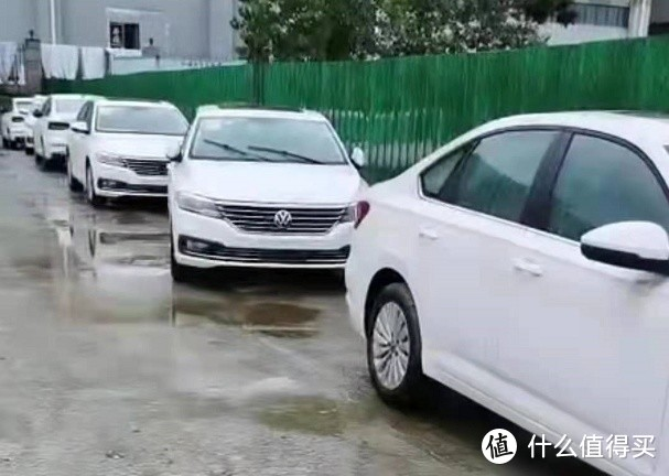 """9月车fans水淹车行情:飞度水淹""""无大碍"""",路虎没顶48折"""