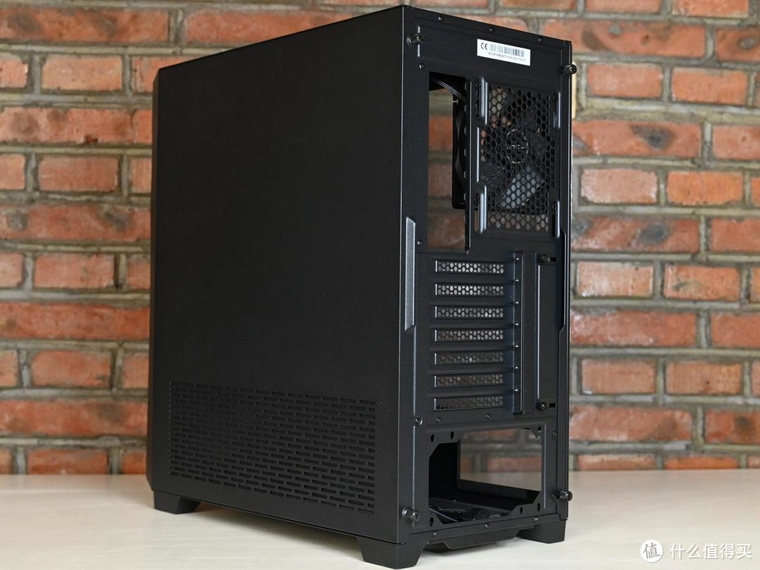 时尚好用的机箱,散热效果也不错,安钛克DF700 Flux上手