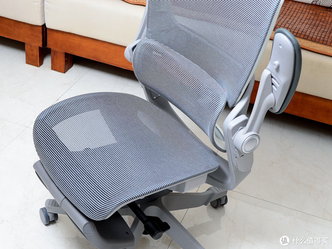 稳稳的生活幸福感-网易严选3D腰靠人体工学椅体验