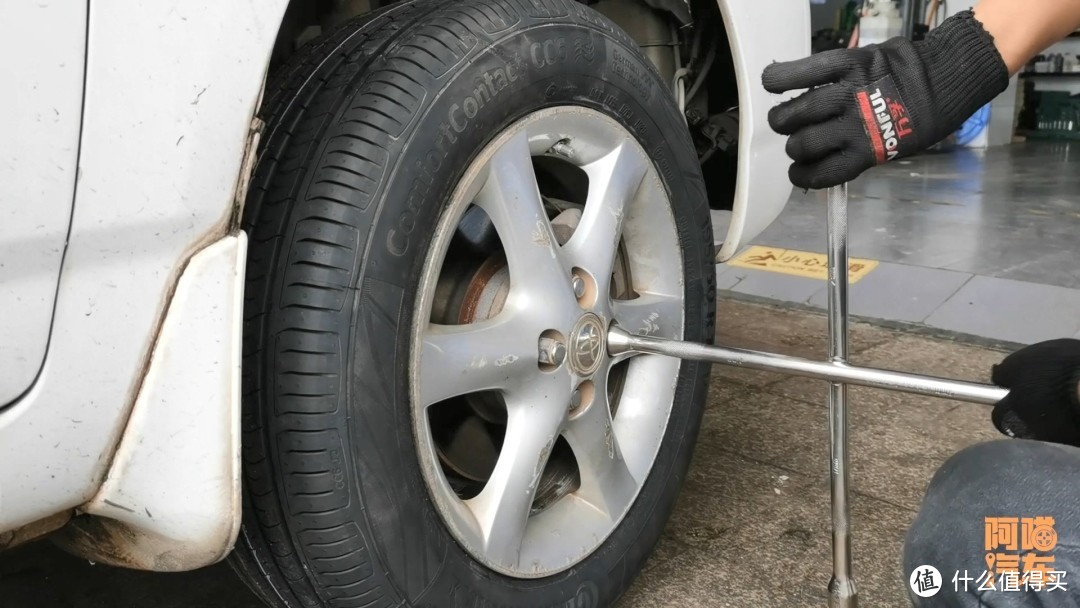 老司机为什么建议轮胎超过一万公里,就进行对调,原来好处这么多
