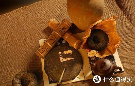 普洱茶较常紧压成砖、饼、坨等方式呈现,古称团茶。