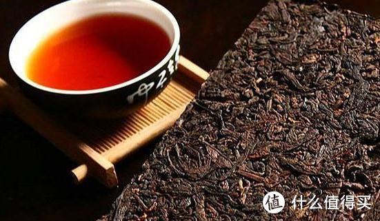 研究证实,普洱茶有抑制肝脏胆固醇合成的效果,还可降低胆固醇,三酸甘油脂及游离脂肪酸。