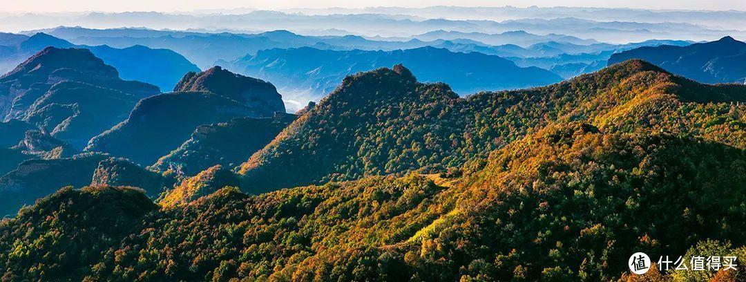 山西长治东侧的南太行山,境内的太行峡谷景区曾被评为中国最美十大峡谷 ©️图虫创意