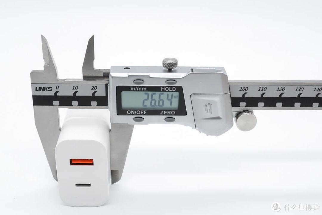 双接口配置支持快充,上手测评古石30W快充头