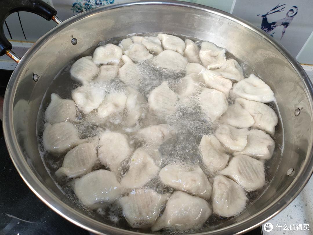 猪肉白菜馅饺子怎么做才好吃?教你饺子店做法,流油流汁特美味
