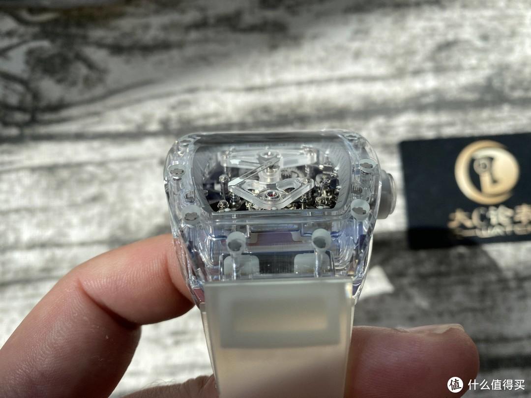 大c论表:EUR理查德米勒RM056,最吸引人的就是整只水晶表壳