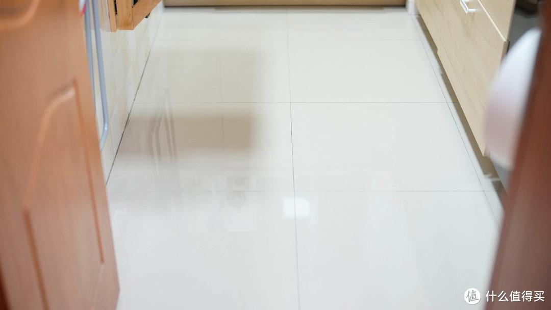 省时省力省心 深度清洁打理你的地板:360 F100洗地机体验