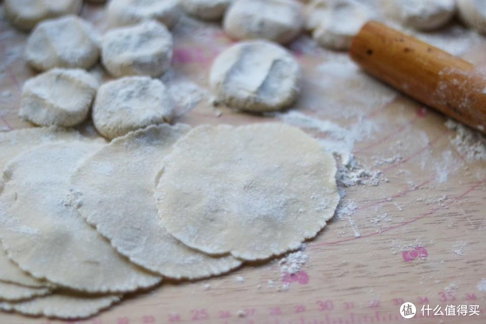 爱吃饺子的可以试试这种做法,鲜香美味,咬一口爆汁儿