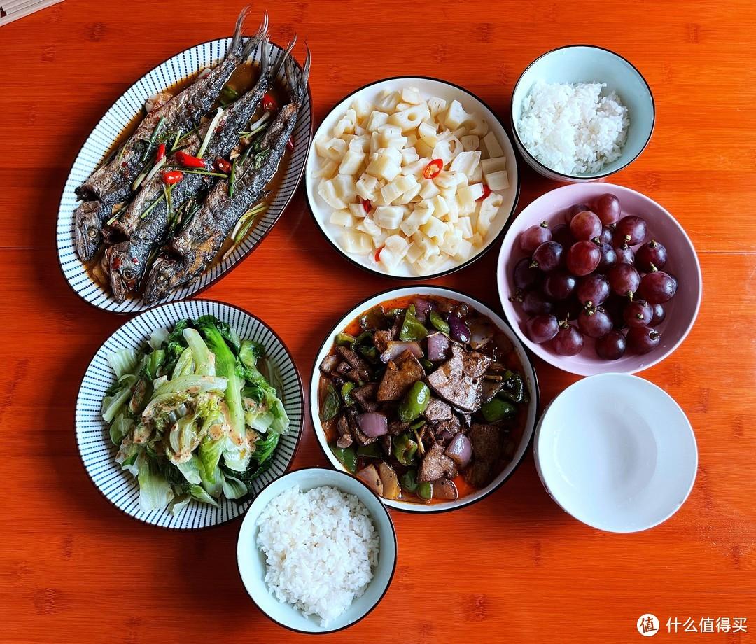 东莞一家三口的午餐,4菜配水果成本35元,网友:太值了,好想吃