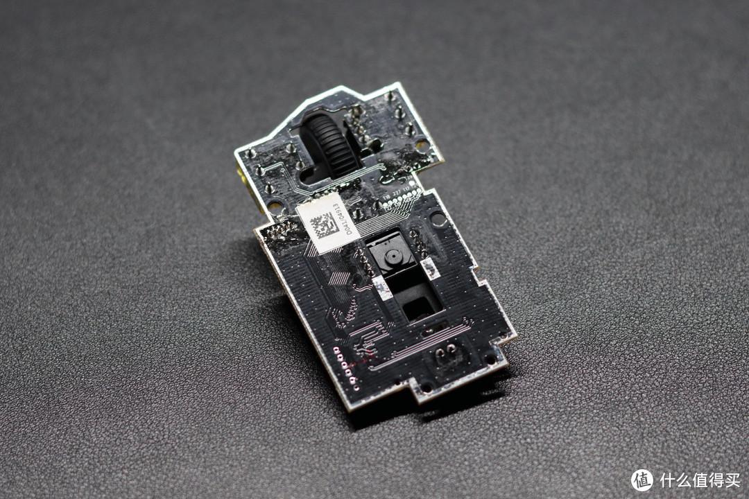 镂空轻盈 核心防尘 - 极度未知HyperX 旋火轻量化鼠标拆解评测